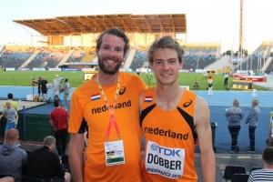 Trainer Tom Metselaar en 400m atleet Jochem Dobber op WJK 2016