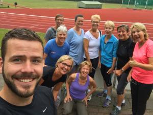 Trainer Rik Heermans met Wandel Bootcamp groep